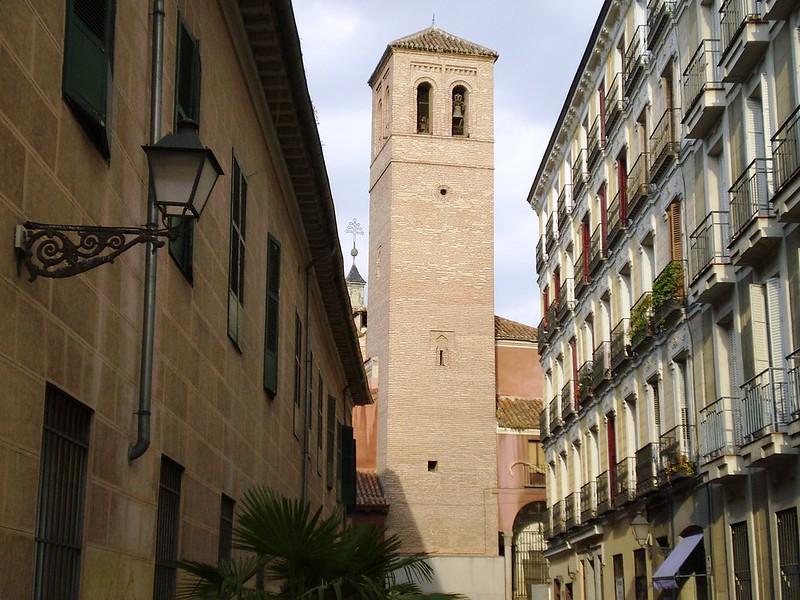 1280px-Iglesia_de_San_Pedro_el_Viejo
