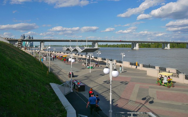 Walking promenade on the Ob River