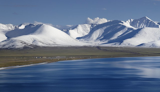 Lake Namtso and the Nyenchen Tanglha mountain range, Tibet 2019