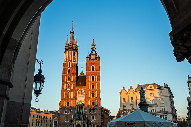 View of the Historic St Mary's Basilica as Evening Approaches - Market Square - Krakow Old Town (Fujifilm X70 Compact)
