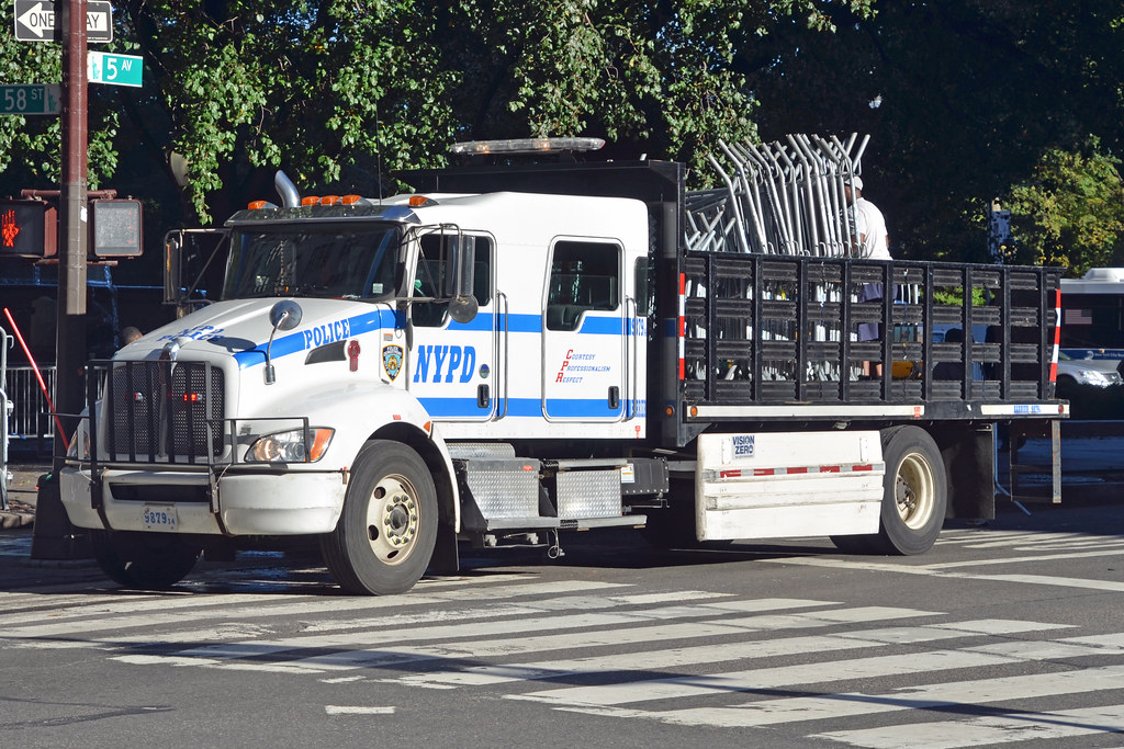 NYPD BARRIER 9879