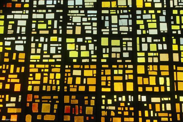 Détail d'un vitrail de l'église du Bon Pasteur (1988)