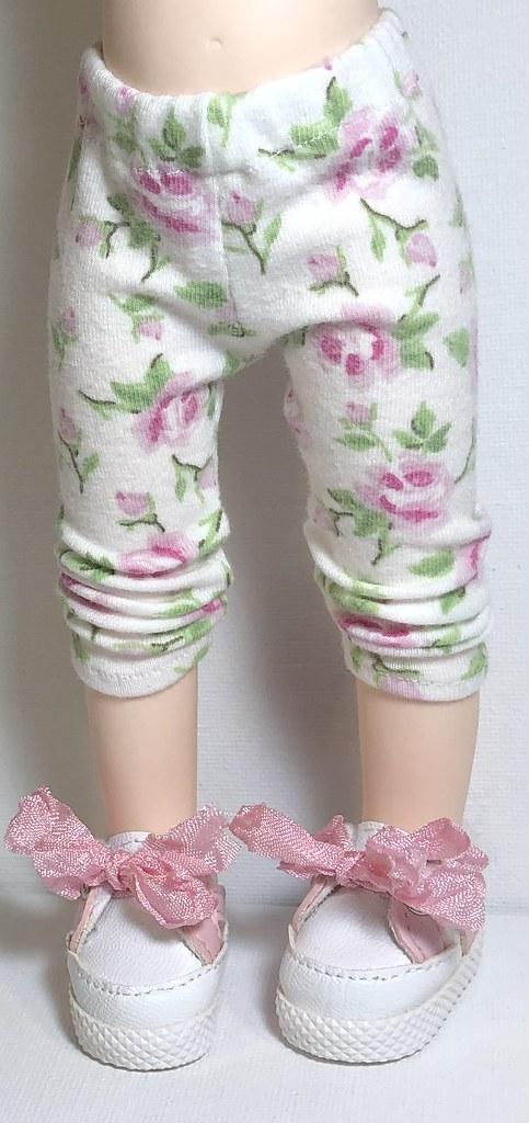 Pink Roses…Leggings For Gorjuss Dolls…