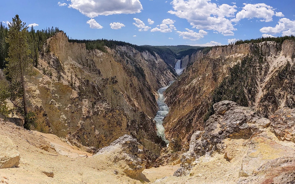 Grand Canyon of YS East pano from the Artist point