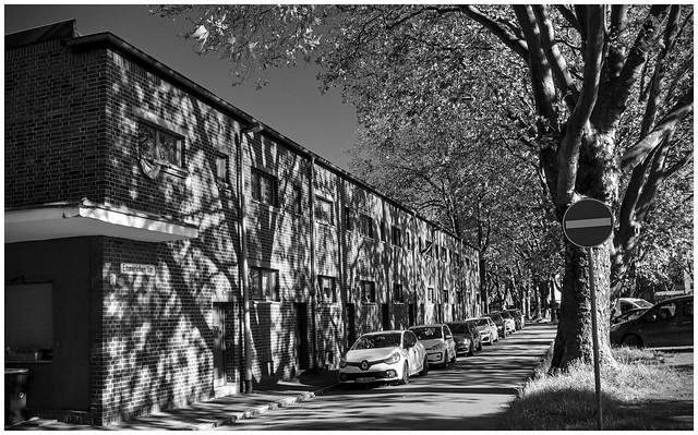 Shadow on the Wall -- Emmericher Str.