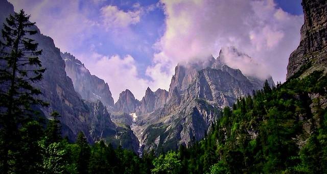 ITALIEN, Rund um Molveno TN) Blick Richtung Brenta Gebirge (Dolomiten) 79102/13760