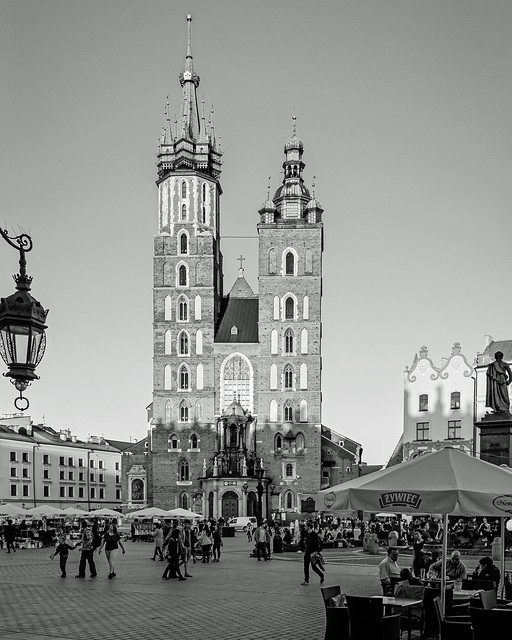The Historic St Mary's Basilica as Evening Approaches - Market Square - Krakow Old Town (Monochrome) (Fujifilm X70 Compact)