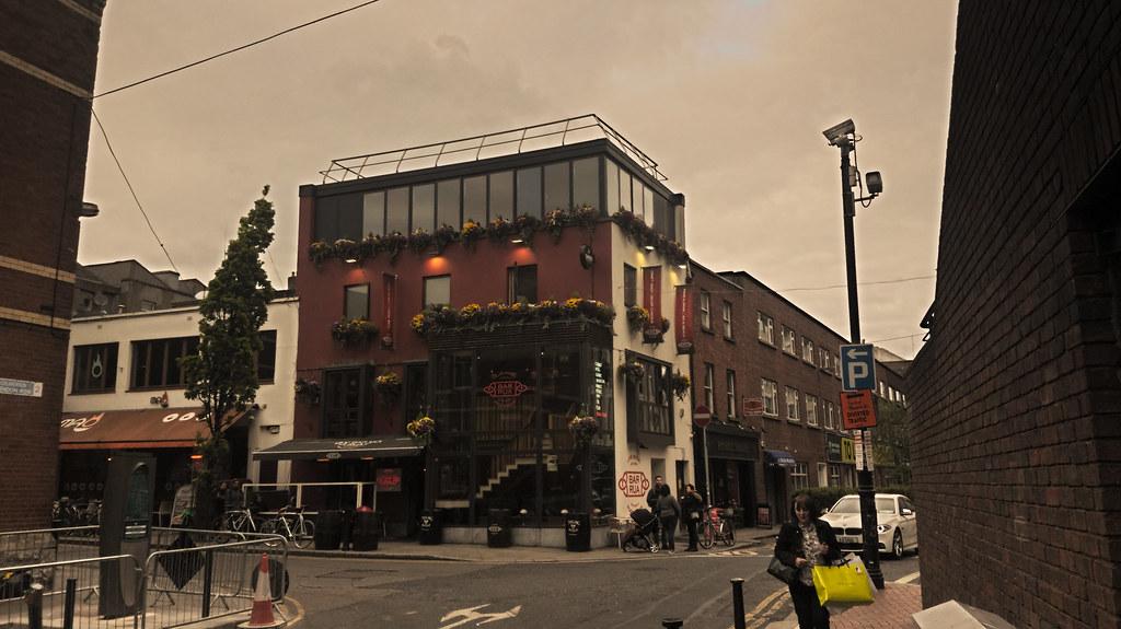 Bar Rua: Clarerndon Street.