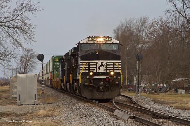 NS #4083 East at Benton City
