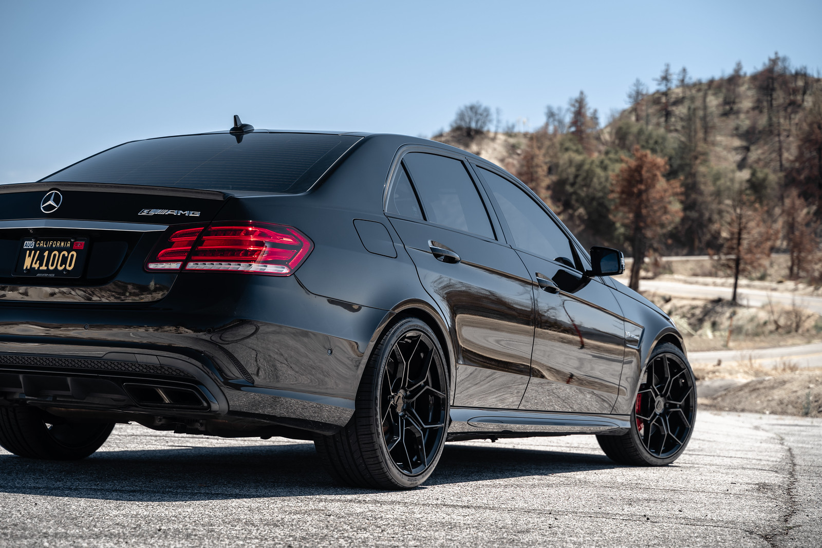 2016_Mercedes_Benz_E63_S_AMG_BDF25_Gloss_Black_1