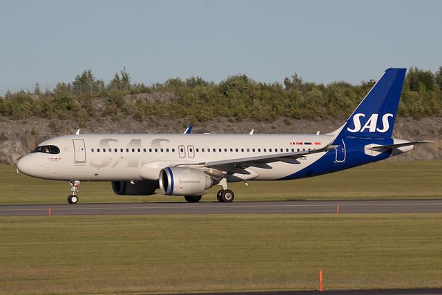 SAS Scandinavian Airlines Airbus A320-251N SE-RUE 210613 ARN