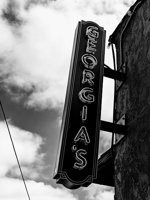 Georgia's Lounge