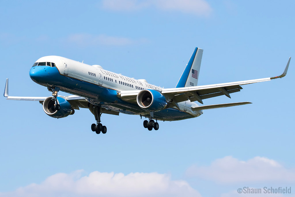 Boeing C-32A   09-0016   US Air Force   London Heathrow   13/06/21