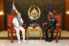 Vice Adm. Bill Merz meets with Chief of Staff of the Armed Forces of the Philippines Gen. Cirilito Sobejana in Manila. (Armed Forces of the Philippines)