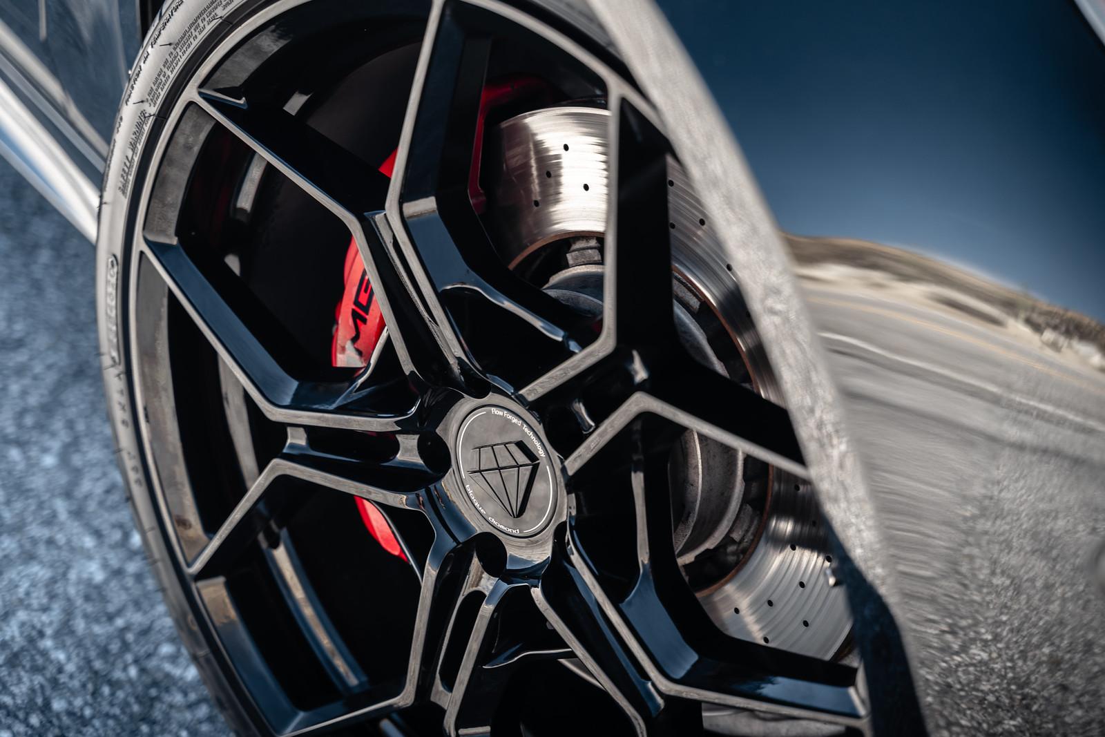 2016_Mercedes_Benz_E63_S_AMG_BDF25_Gloss_Black_8