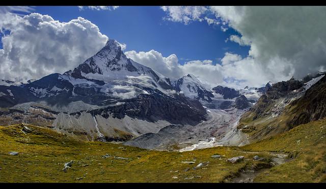 The Matterhorn  (4478m alt. )   the Dent d'Hérens  the Z'mutt glacier.and