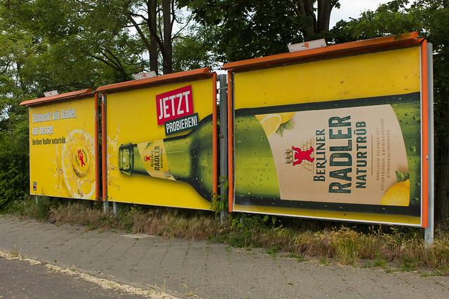 Berlin Werbeplakat 13.6.2021Die gleiche Werbung wie vor zwei Jahren!