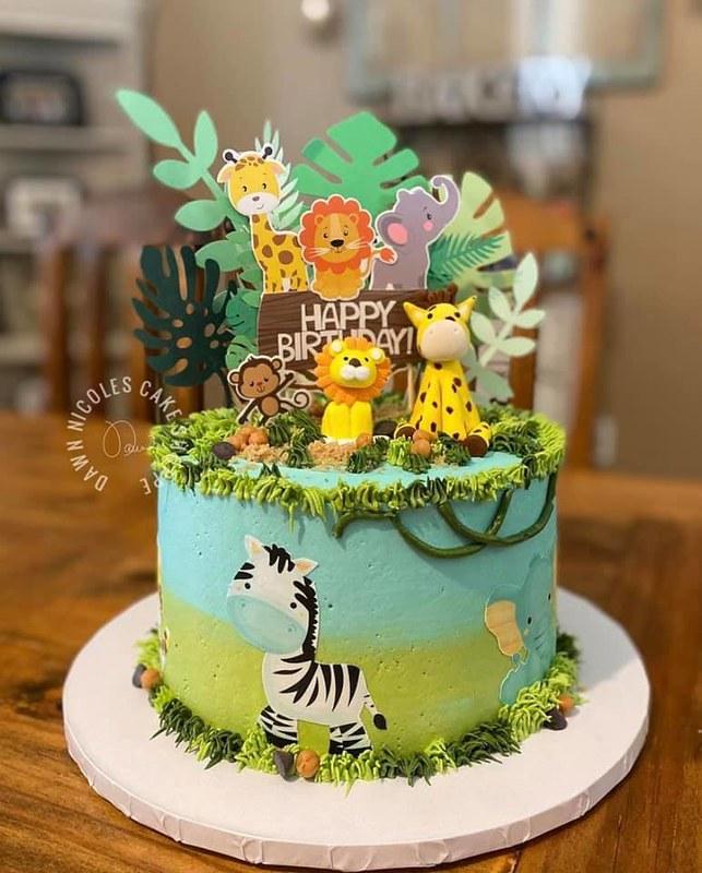 Cake by Dawn Nicole's Cake Shoppe