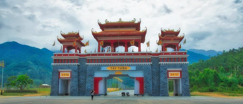Gate to Tay Thien tourist area