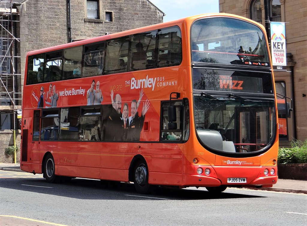 2750 PJ05 ZVW Gemini bodied Volvo B7TL  new to Transdev Burnley Witchway X43 . Seen here in Colne on Pendle wizz service Skipton to Burnley