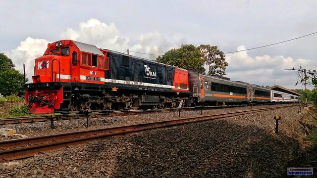 KA Kuala Stabas berangkat dari Stasiun Tegineneng, Lampung