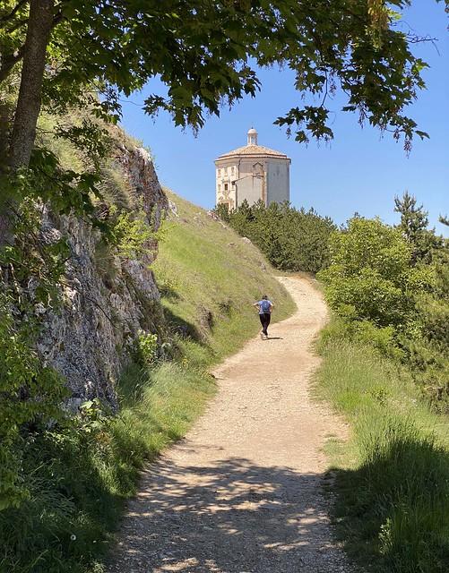 La strada per Rocca Calascio