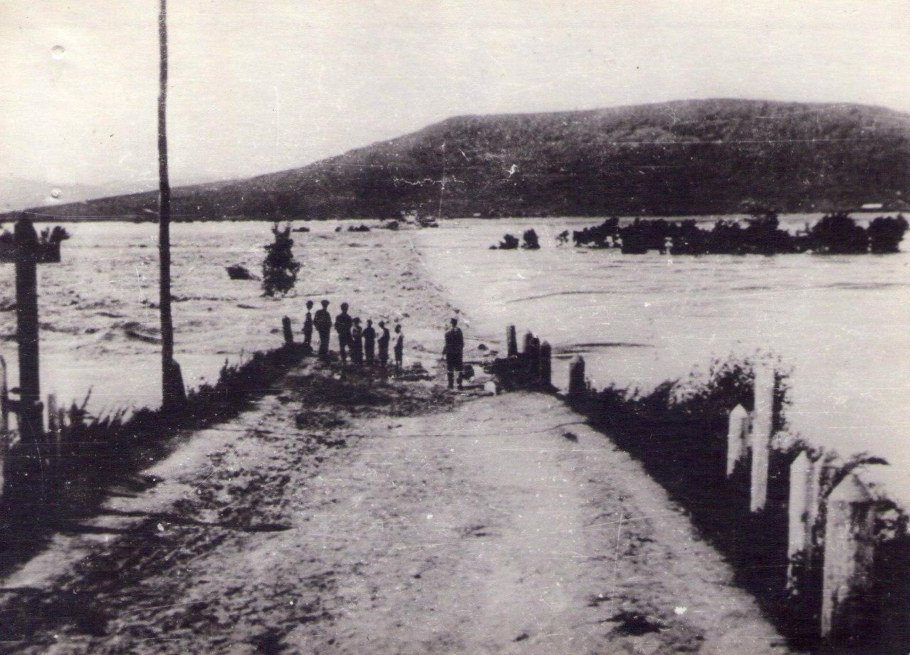 Село Никольское. Наводнение 1896 г. дорога на Хенину сопку. 1896