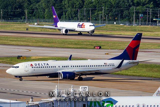 N3764D Delta Air Lines   Boeing 737-832(WL)   Memphis International Airport