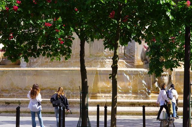 280 - Paris en Mai 2021 - VIème arrondissement, Fontaine Saint-Sulpice Place Saint-Sulpice