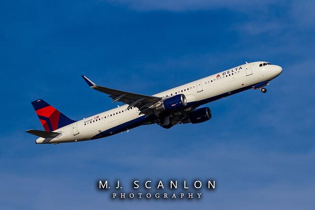 N114DN Delta Air Lines   Airbus A321-211(WL)   Memphis International Airport
