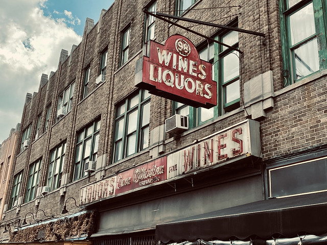 98 Wines Liquors