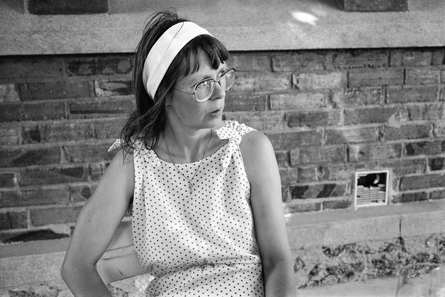 Linda, Bar, Neuilly-sur-Marne, nr Paris, France, 1990, 90-8b-15