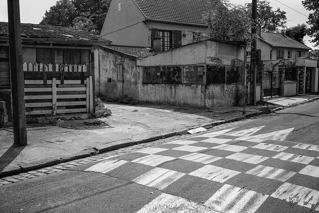 Street, Noisy-le-Grand, nr Paris, France, 1990, 90-8b-42