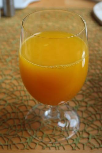 Frisch gepresster Orangensaft (vom Markt)