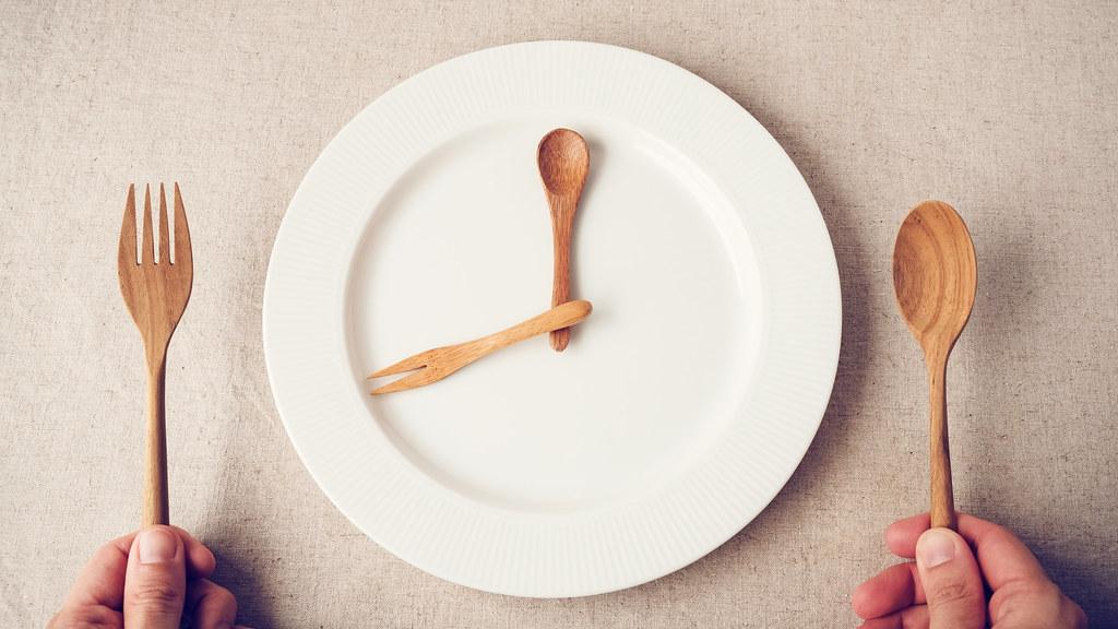 Intermittent fasting image.
