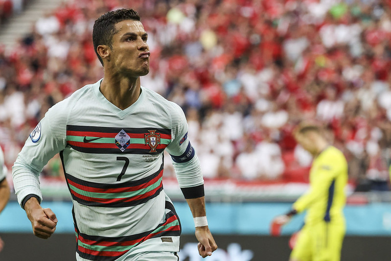 Cristiano Ronaldo踢進12碼罰球後慶祝。(達志影像)