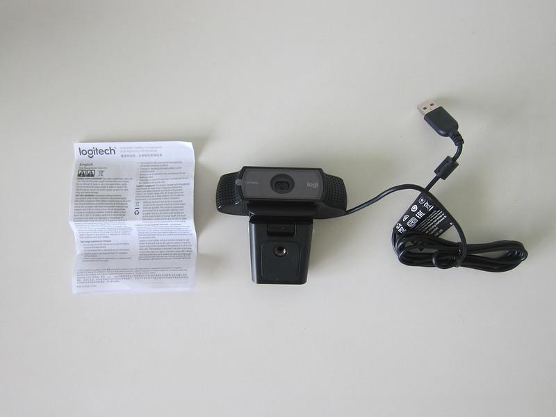 Logitech C920 Pro HD Webcam - Box Contents