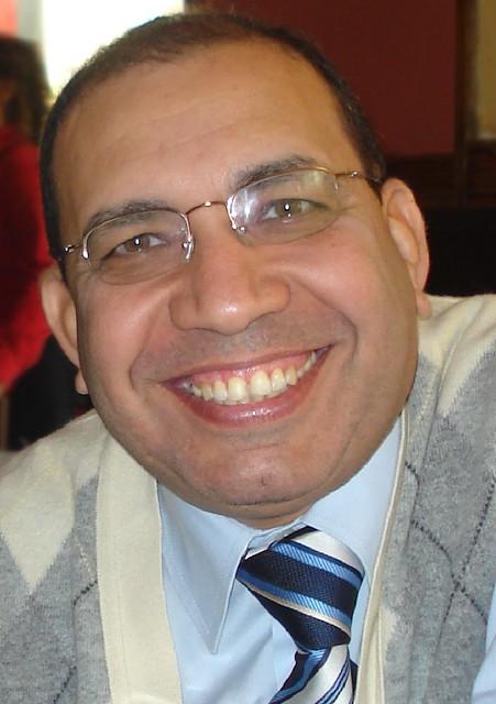 الدكتور مكرم رشدي إسكاروس - Dr. Makram Roshdy Eskaros (1)