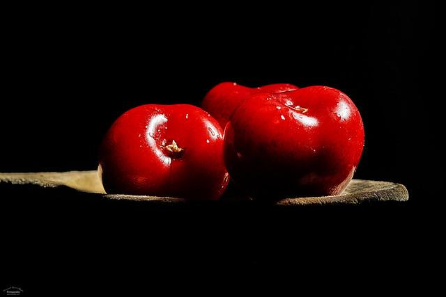 Cerezas en cuchara - Cherries in spoon