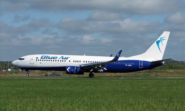 Boeing 737-86N YR-BMG [30231/515]
