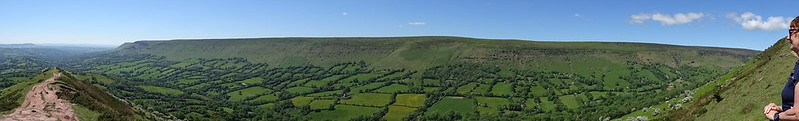 Olchon Valley and Hatterrall's Ridge from The Cat's Back, panoramic views - and Steffi
