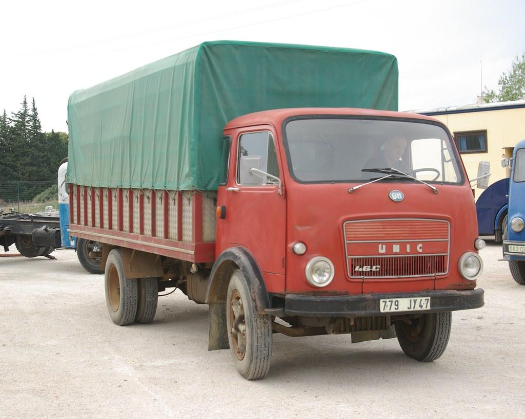 779JY47 (1969) Unic OM 46C