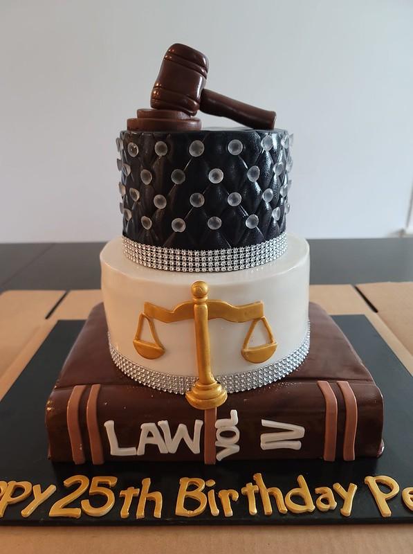 Cake by Mina Cakes