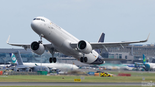 Lufthansa 🇩🇪 Airbus A321neo D-AIEB