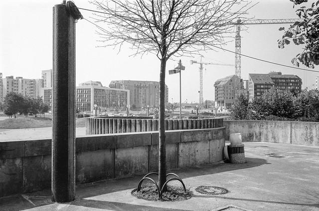 Noisy-le-Grand, nr Paris, France, 1990, 90-8c-21