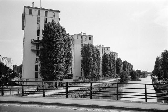 Flats, Canal de Chelles, Chelles, nr Paris, France, 1990, 90-8m-12