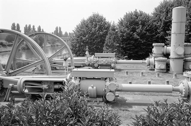 Écluse de Neuilly sur Marne, Lock, River Marne, Canal de Chelles, Neuilly-sur-Marne, nr Paris, France, 1990, 90-8b-44