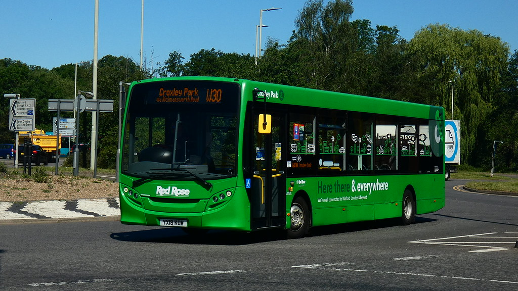 Red Rose Travel | YX18KOW Route W30 | Croxley Park Ascot Road