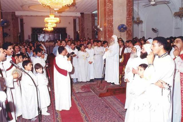 قداسة البابا شنودة الثالث في قداس عيد الرسل 12 يوليو 2000م بكنيسة السيدة العذراء والأنبا بيشوي بالأنبا رويس بالعباسية