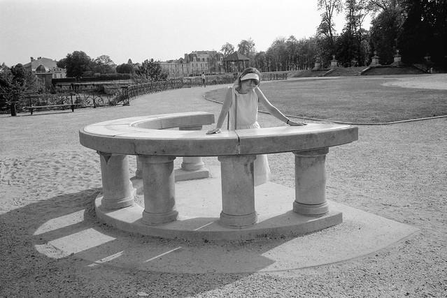 Linda, viewpoint, nr Paris, France, 1990, 90-8t-63